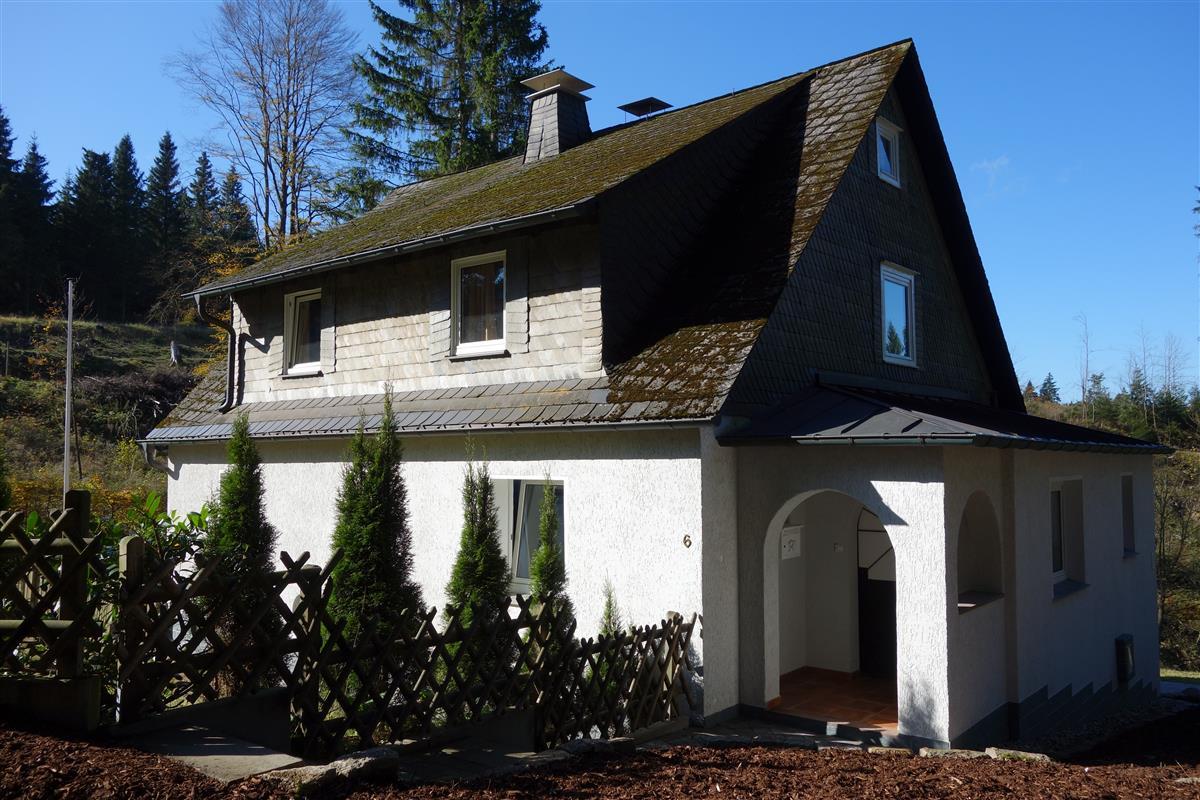 Onwijs Vakantiehuis Waldhaus Winterberg | Middenin de natuur aan de PI-93